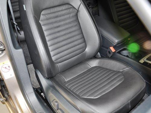 一汽-大眾  邁騰 1.8TSI DSG 副駕駛席座椅45度特寫