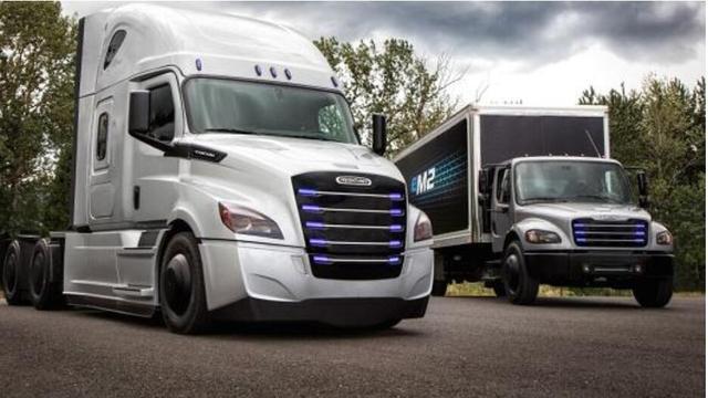 戴姆勒加速电动卡车研发对抗特斯拉
