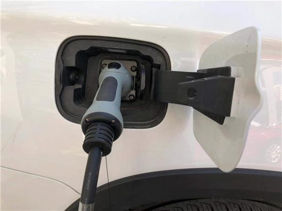 一辆新能源车的电动化智能化路径