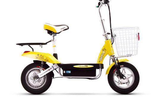 新款电动车对决 爱玛mini可爱对比雅迪炫qq(2)