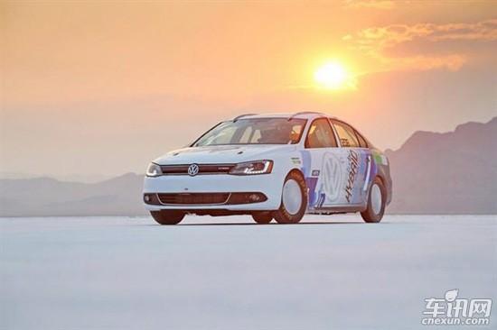 中,创造298km/h的混合动力世界最快记录的大众捷达混合动力车高清图片