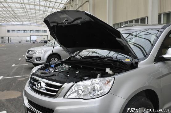 方面,哈弗H6自动挡车型搭载的是2.4L汽油发动机,最大功率163马力高清图片