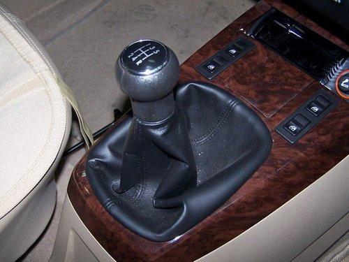 桑塔纳3000的发动机排量和动力都没有