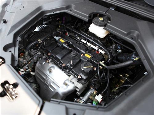 比亚迪s6整车外观时尚动感,线条硬朗,尽显都市suv的奔放气质.