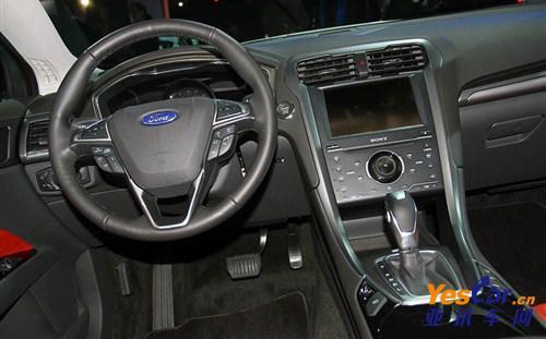 中低配版本也将配备大尺寸行车电脑显示屏的仪表板,功能强大的多