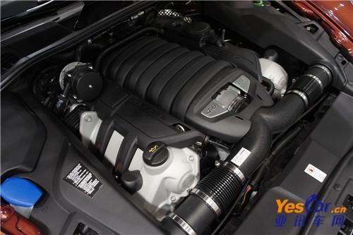 发现4装备了非常丰富的动力组合,分别是2.7t和3.0t柴油涡轮高清图片
