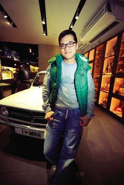 jack lee香港古董mini车会会长高清图片