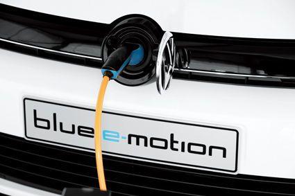 同时,由于身负电池组,高尔夫电动车也没有配备备胎,只能通过快速补胎