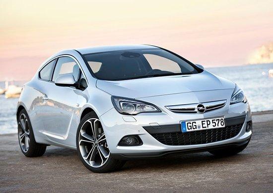 日前我们从官方获悉,欧宝将于3月28日在北京举行Opel欧宝之夜暨新车发布会活动,届时欧宝旗下三款全新车型将首次在国内亮相,包括Insignia旅行版,新雅特GTC以及新款赛飞利。据了解,这三款新车将于年内正式上市。   Insignia旅行版   由于君威的原车型就是欧宝Insignia,因此该车在外形上与君威较为相似。Insignia旅行版的前脸部分采用U型镀铬进气格栅,和三厢版本车型如出一辙,车身部分线条较为流畅,尾部则保留了巨大开口的后备箱,充分体现旅行车的特色。  Insignia旅行版