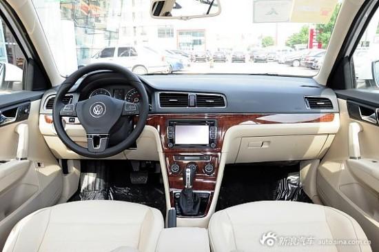 其他配置方面,2011款朗逸新增了蓝牙系统,品雅版车型还增加了前排侧面