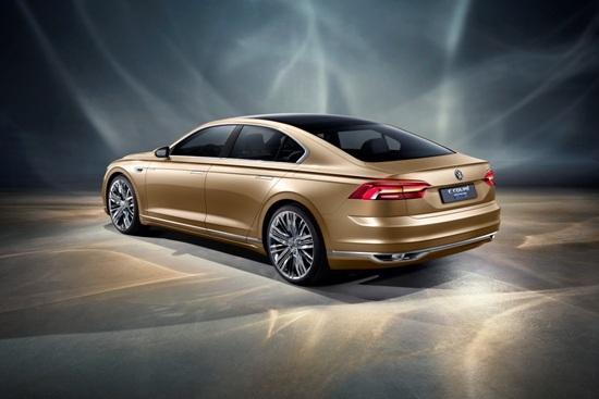 上海大众汽车夺半程销量冠 著眼布局新产品