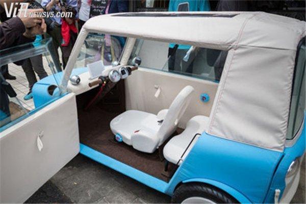 布涤纶材质微型电动车 2017年上市高清图片