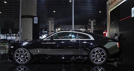 汽车设计马克笔手绘底色高光